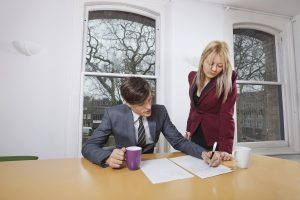 Signing an Agreement with a Divorce Lawyer