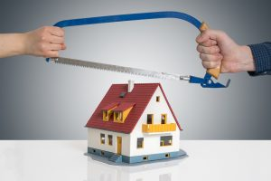 Divorce dividing a house